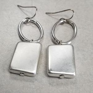 SILVER LIGHT WEIGHT EARINGS
